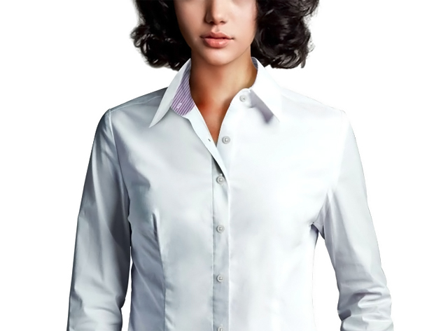 Mujer con camisero blanco