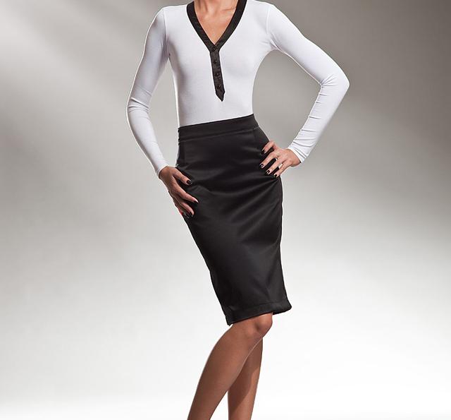 La falda de tubo, femenina e irresistible
