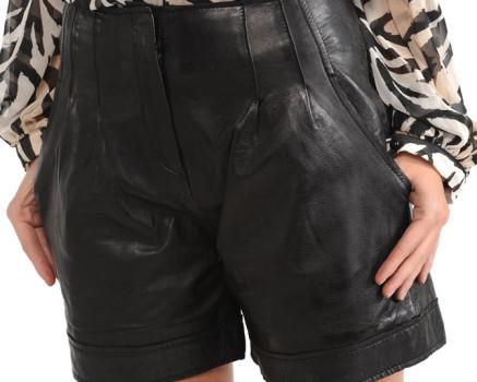 Los shorts de cuero, el nuevo must have de esta temporada
