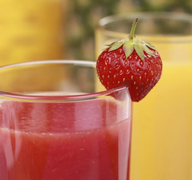 4 smoothies ricos en yodo para estimular la tiroides efe - Como hacer zumo de fresa ...