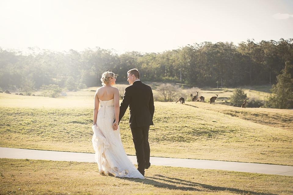 Consejos útiles para posar en las fotos de tu boda
